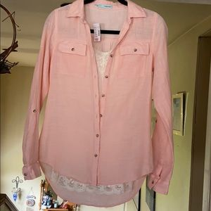 Peach colored blouse w/cream tank included